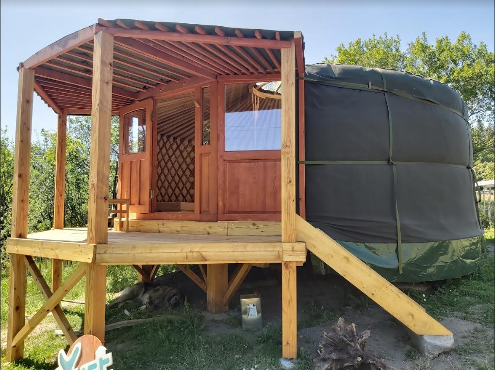 yurt opbouwen voorportaal in hout